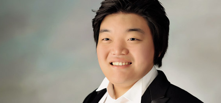 Junghoon Kim, winner of the Voice Masters 2014